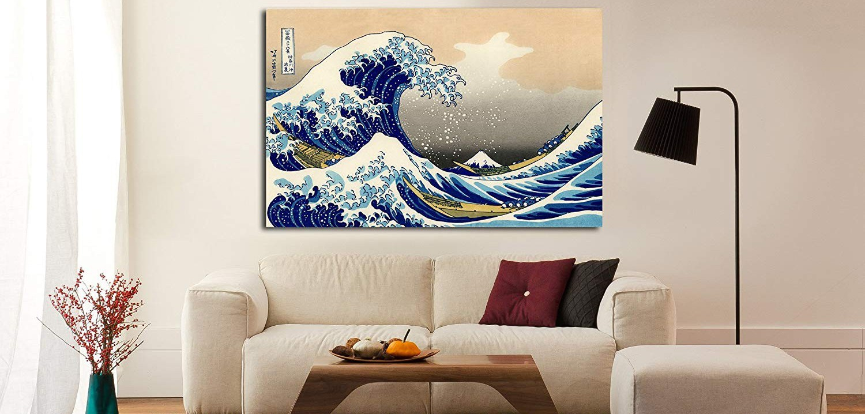 Pinturas y grabados sobre lienzo.